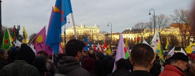 Cizre katliamı Viyana'da eylemlerle protesto edildi