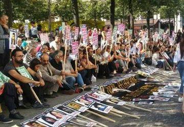 Paris'te Cumartesi Anneleriyle Dayanışma Eylemi Gerçekleştirildi