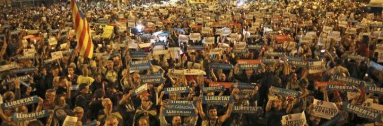 Binler liderleri için sokaklara aktı!